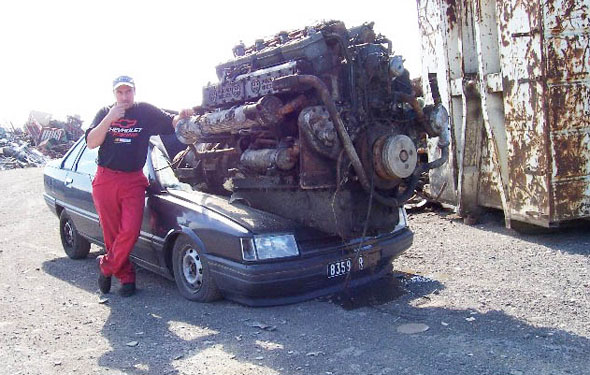 huge-engine-on-crappy-car-559d0f0ed9879-1